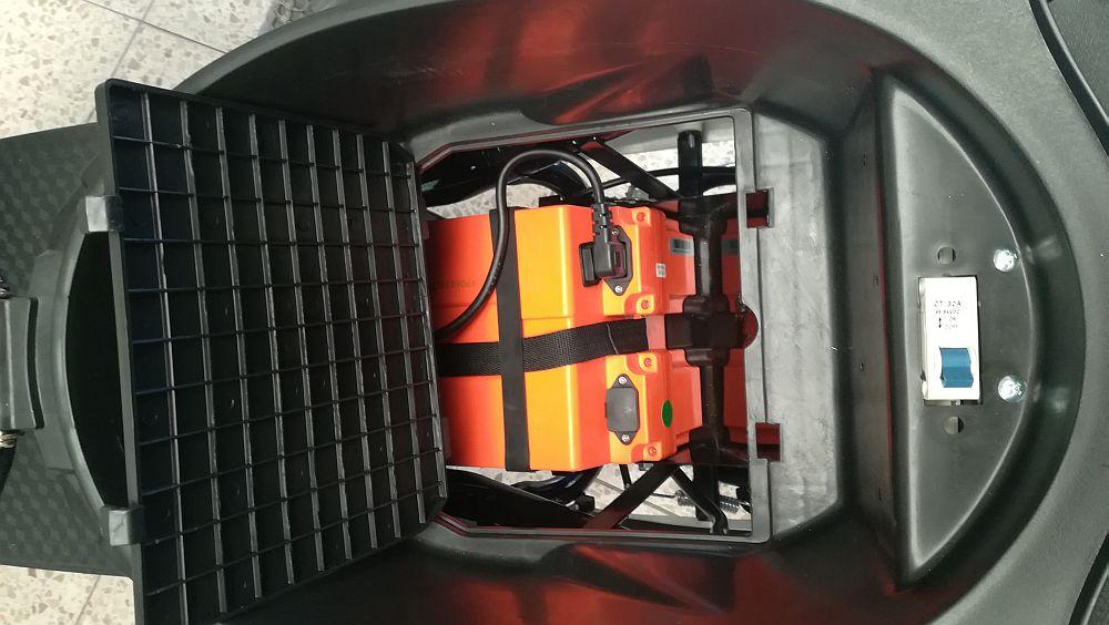 Elektroroller / E-Roller Futura One anthrazit Lithium-Akku 2000 Watt Bild 9